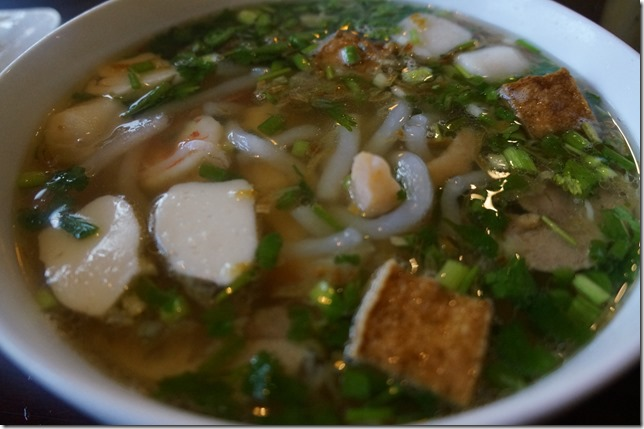 Bánh Canh Thập Cẩm - Thick clear rice noodle with shrimp, pork, fish meatball, Prawn cakes and fried tofu.